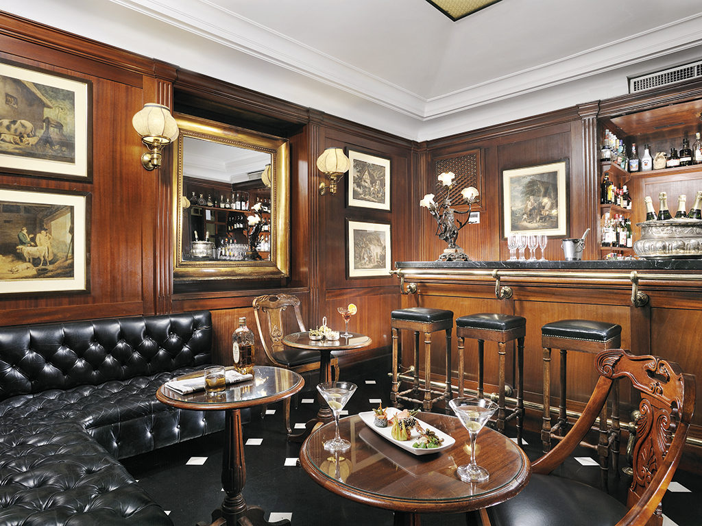 The Bond Bar at the Hotel d'Inghilterra