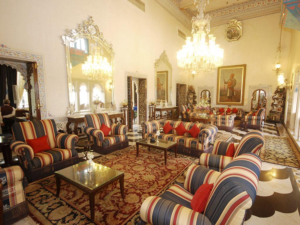 The opulent Panera Bar at the Shiv Niwas Palace